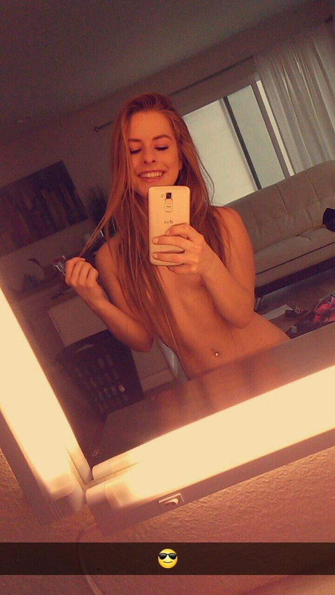 Camsoda.com pornstar camgirl Lilly Ford