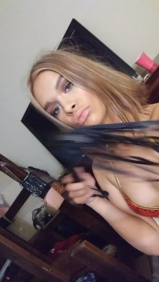 Camsoda.com pornstar camgirl Kendall Kross