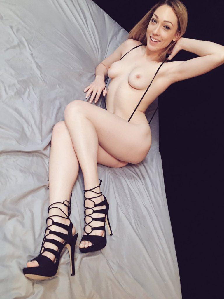 pornstar Lily LaBeau topless