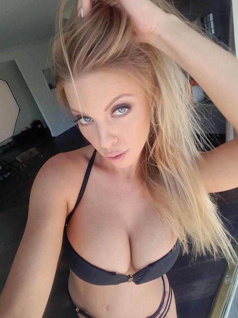 porn star Britney Amber selfie