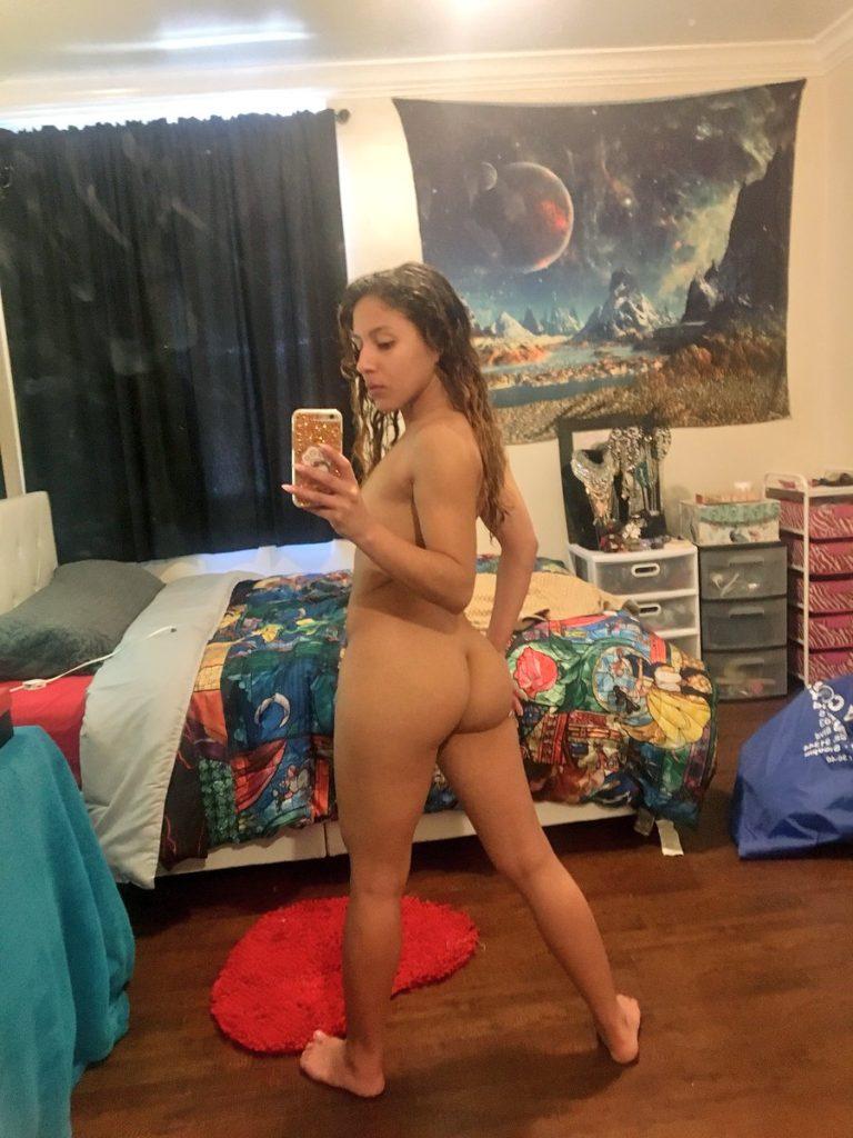 nude selfie by Liv Revamped