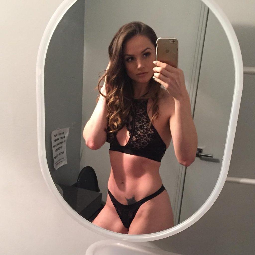 Tori Black takes lingerie selfie