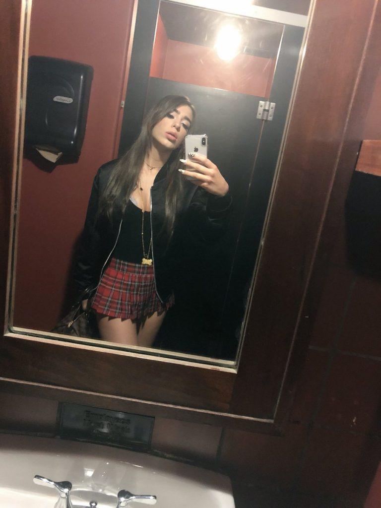 CherryPimps.com porn star Joseline Kelly takes selfie