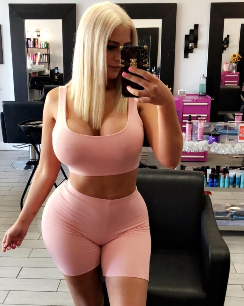 selfie by Danii Banks with new hair