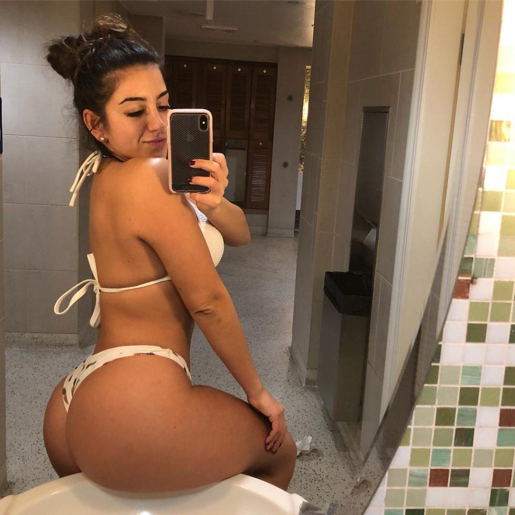 sexy booty in bikini selfie by LenaThePlug