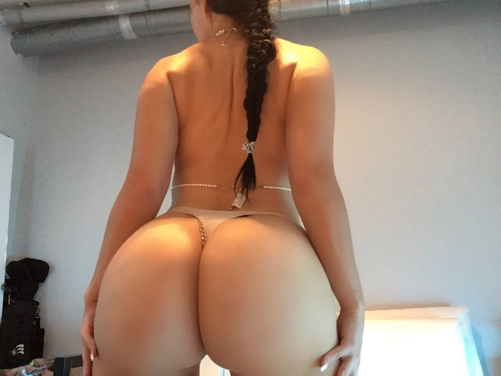PAWG Amy Anderssen in thong