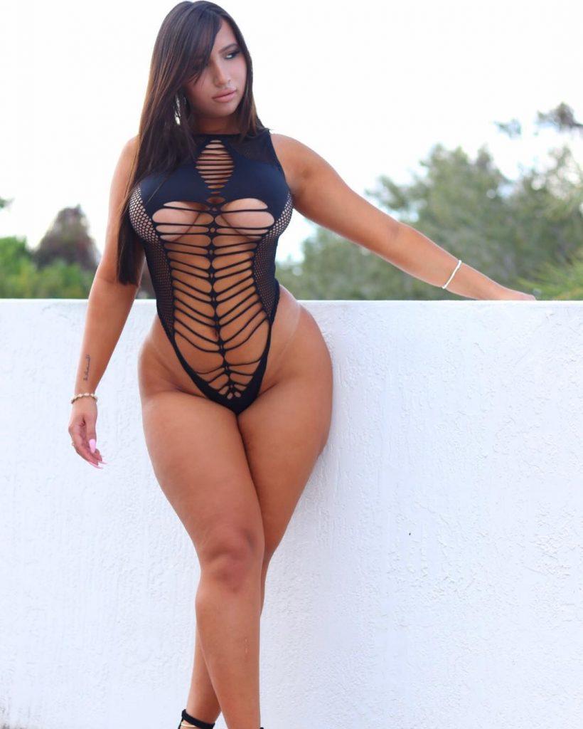 curvy Maria Gjieli in sexy bodysuit