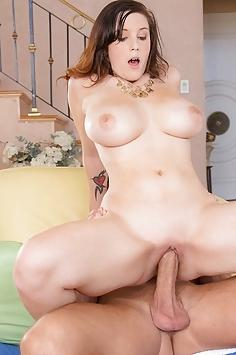 Noelle Easton in Big Naturals A Lot Up Top